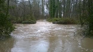 Flooding at the weir in Coombe Country Park 09-03-2016