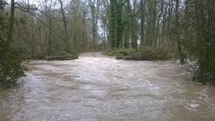 Flooding at the weir at Coombe Country Park in the afternoon 09-032016