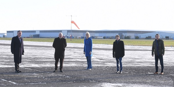Pictured on site from left to right: Andrew Day (Leader, Warwick DC), Cllr George Duggins (Leader, Coventry CC), Margot James (Executive Chair, WMG), Andy Street (Mayor of the West Midlands), Nick Abell (Chair, CWLEP)