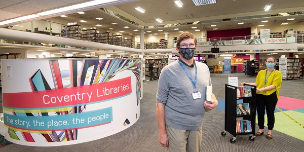 Cllr Kevin Maton visits Central Library